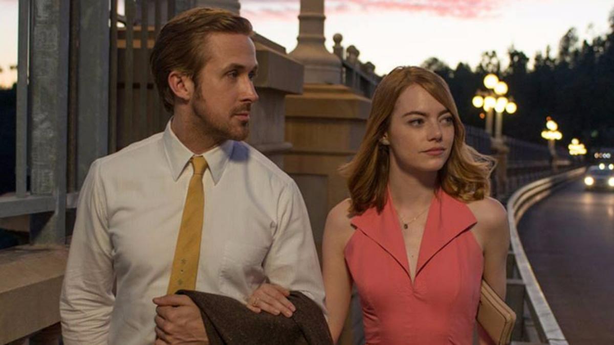 El tercer tráiler de la película, dirigida por Damien Chazelle, fue presentado y narrará la historia de amor de Mía y Sebastián.