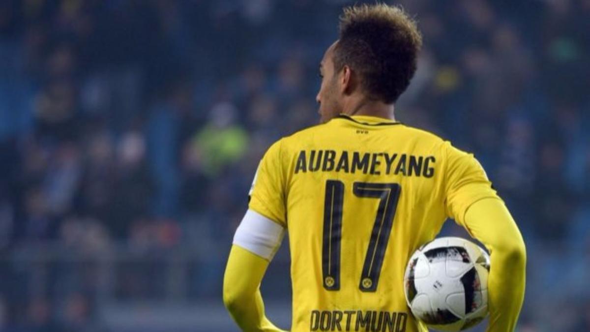 El delantero gabonés no jugó el último duelo por Champions League por irse de fiesta en Milán. Volvió con 4 goles ante el Hamburgo.