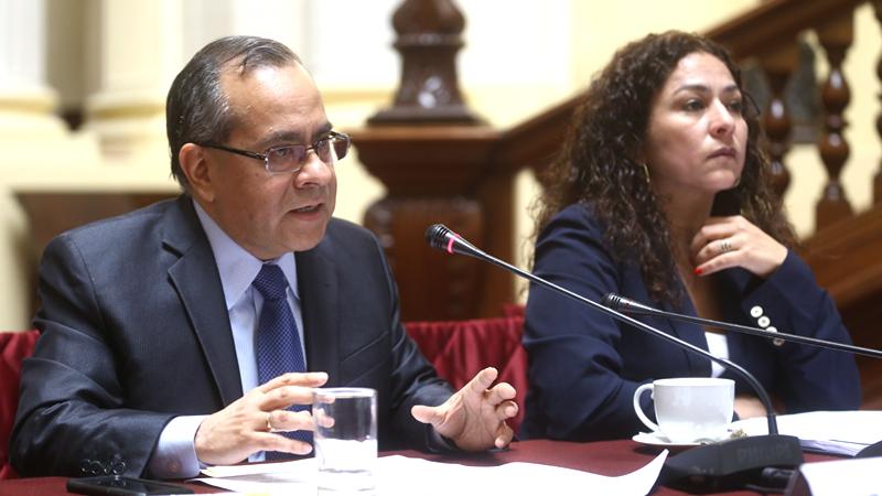 El ministro acudió a la Comisión de Presupuesto que preside la fujimorista Cecilia Chacón.