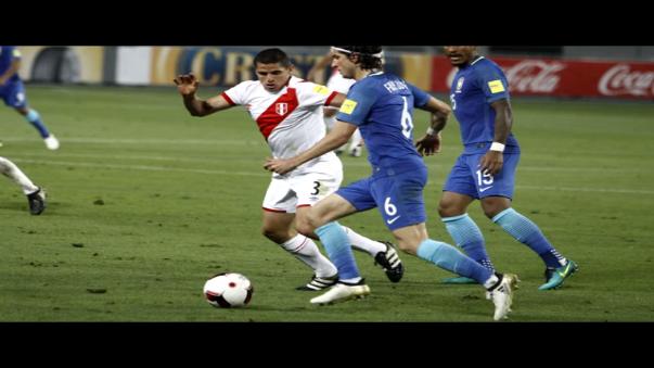 Aldo Corzo tiene 27 años y se consolidó como titular en la banda derecha de la Selección Peruana.