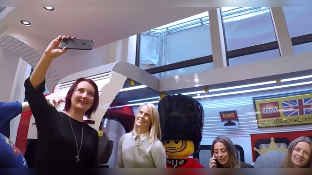 La moda del 'Mannequin Challenge' llegó a Lego.