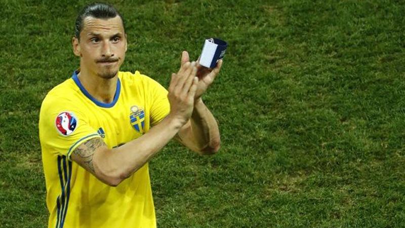 Zlatan Ibrahimovic se retiró de la Selección de Suecia en la pasada Eurocopa.
