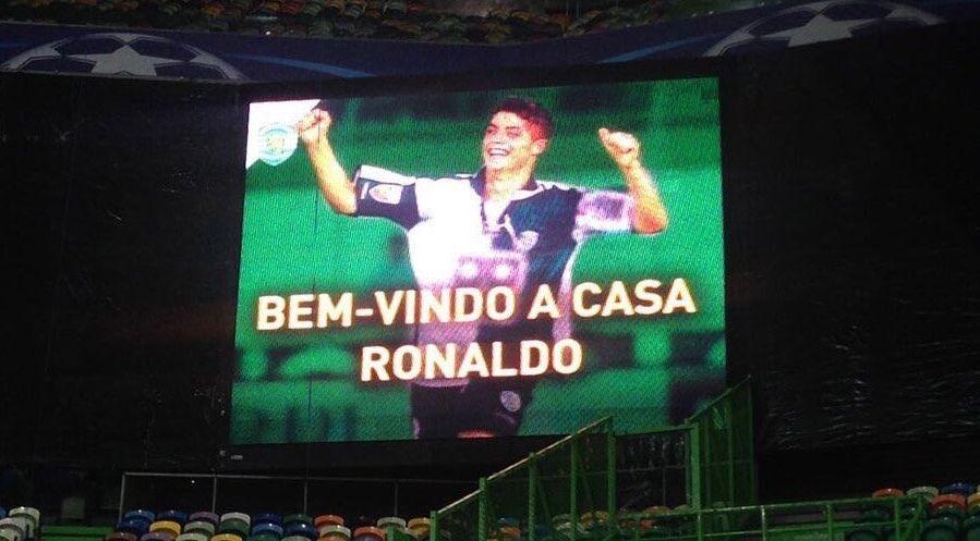 Cristiano Ronaldo debutó en el fútbol profesional con el Sporting de Lisboa.