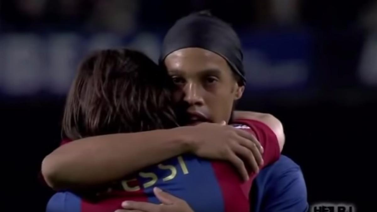 Lionel Messi y Ronaldinho en el Barcelona.