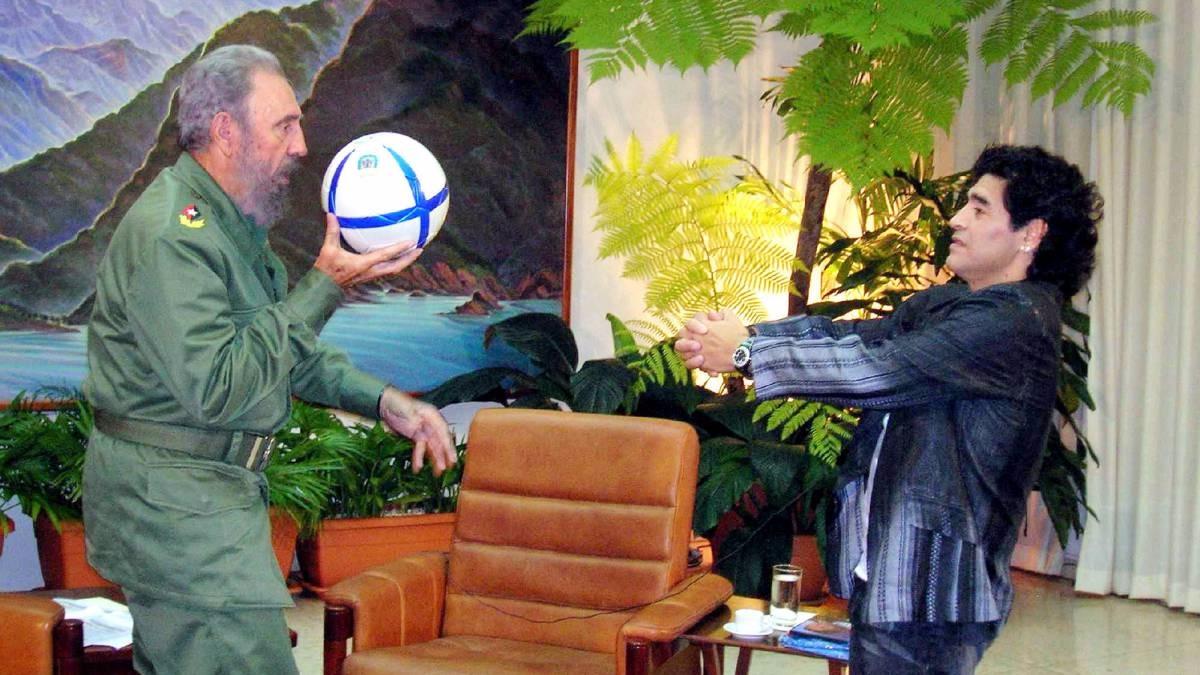 Diego Maradona y Fidel Castro intercanbiaban cartas en donde intercambiaban sus reflexiones cobre política.