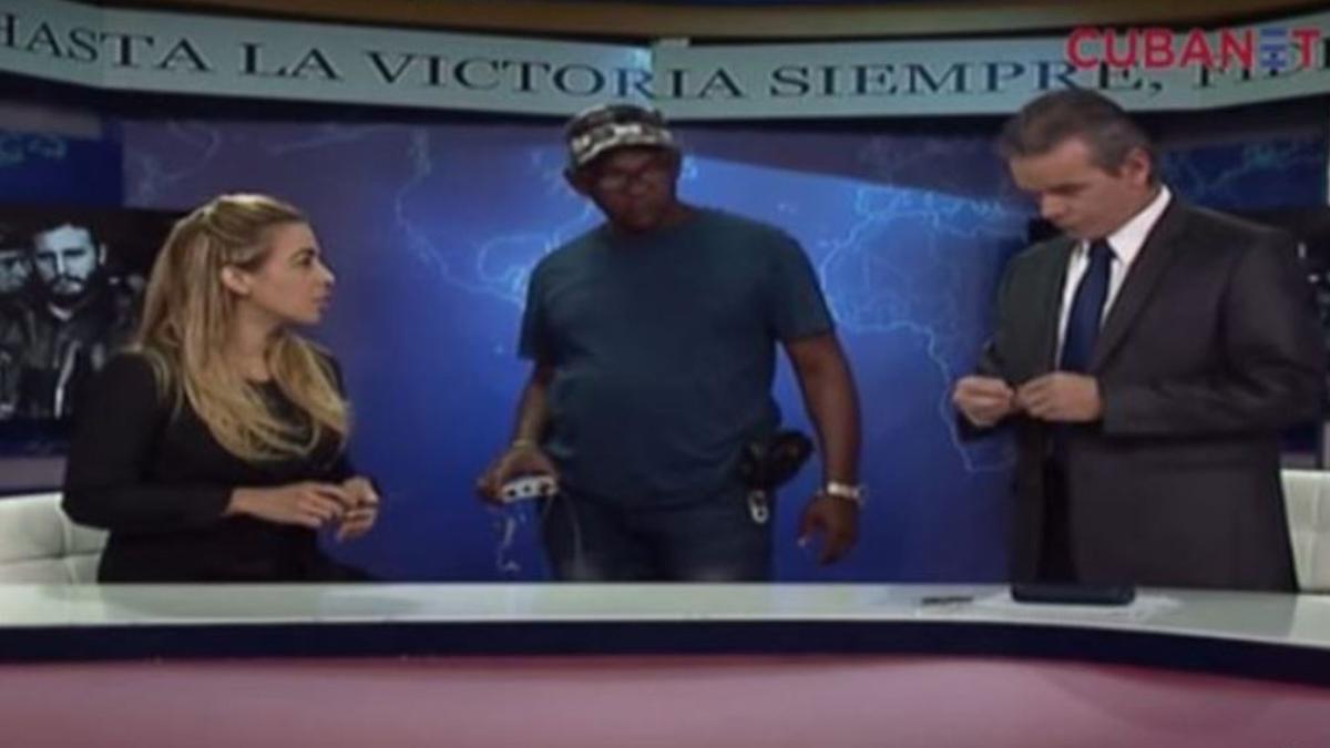 Periodistas de la TV Cubana debaten cómo saludar durante duelo a Fidel Castro.