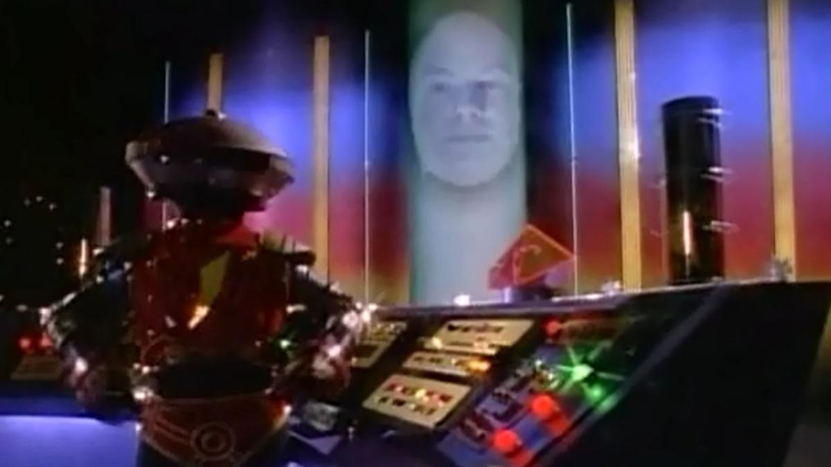 Zordon, un poderoso hechicero atrapado por Rita en un agujero en el tiempo y su asistente robótico Alpha 5, reclutan a