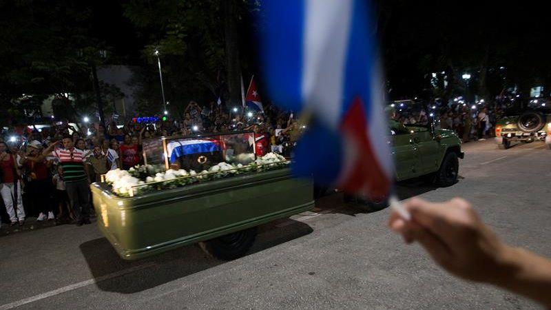 La caravana que transporta los restos de Fidel Castro salió de La Habana el 30 de noviembre y llegará este sábado a Santiago de Cuba.