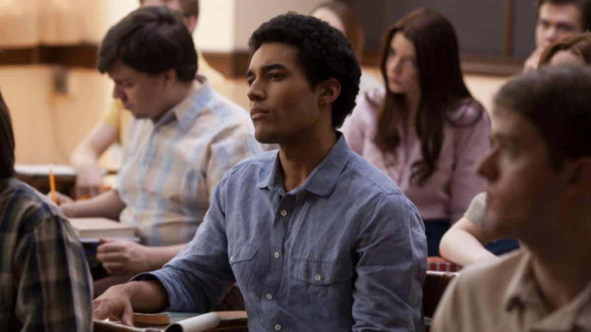 Así luce el joven Barack Obama en la película. Mira el tráiler.