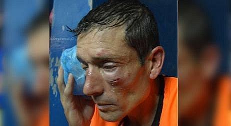 Árbitro fue brutalmente agredido por jugadores e hinchas por no cobrar penal.