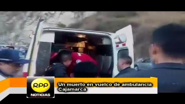 Serenos y Bomberos de Cajamarca rescataron heridos de ambulancia accidentada