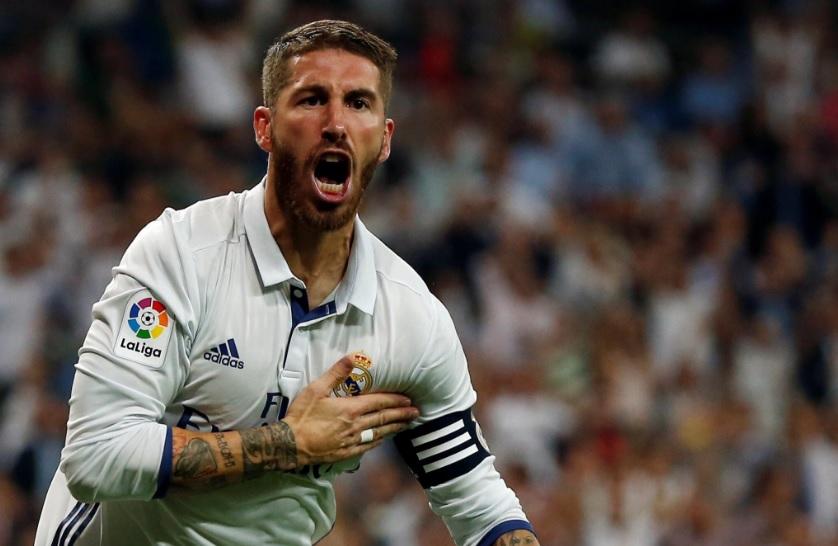 Sergio Ramos es el tercer defensa con más goles (48) en toda la historia de la liga española tras Fernando Hierro y Ronald Koeman.