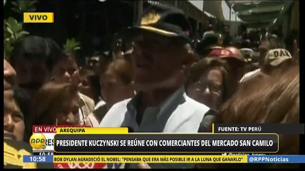 El presidente fue recibido con cariño en el mercado San Camilo en Arequipa.