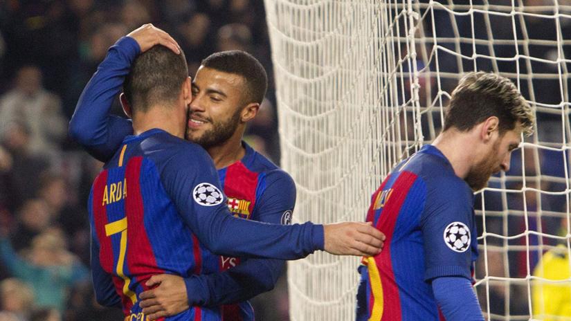 Rafinha anotó un golazo en la victoria de Barcelona.