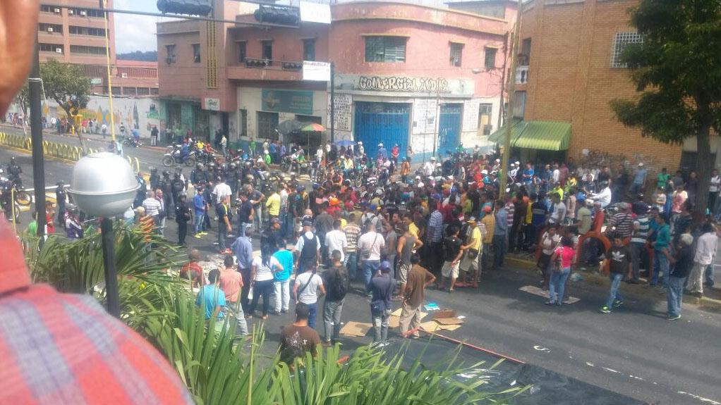 Los venezolanos están pidiendo una prorroga al gobierno para cambiar sus bolívares.
