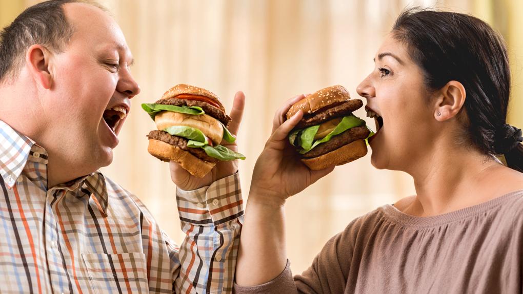 Estudio determinó que personal con el gen MCR4 alterado, tenían más predilección por las comidas grasosas.