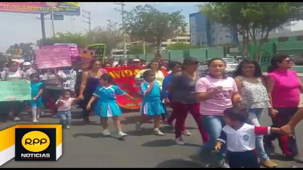En jornada de protesta participaron unas 200 personas y se desarrolló de manera pacífica.