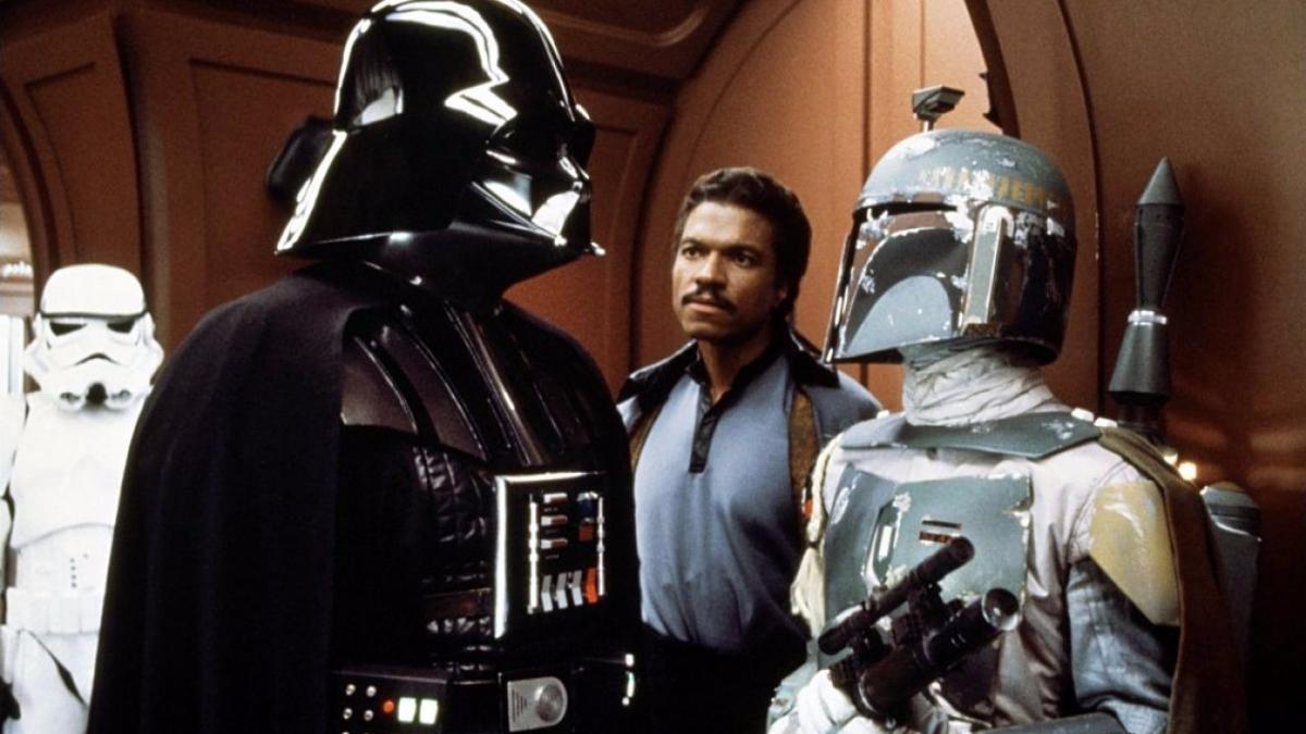 Boba Fett y Lando Calrissian aparecen por primera vez, Luke conoce a Yoda, Vadder se revela como su padre y Han Solo es congelado en carbonita. Brillante todo.