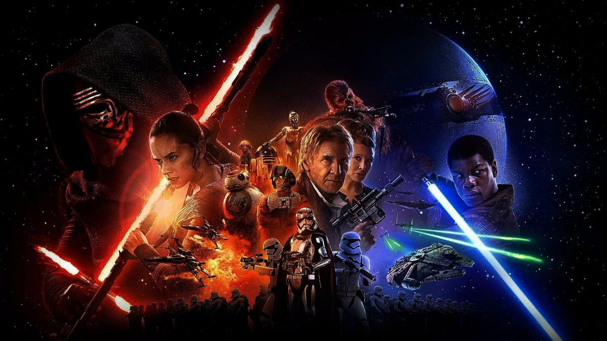 Star Wars regresó el año pasado con una película que recuperó la magia que había perdido George Lucas con la trilogía anterior, más centrada en los efectos especiales que en la historia.