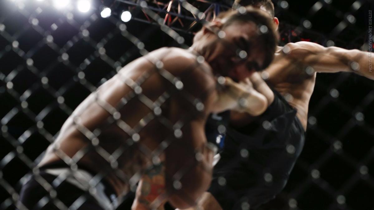 3) El 23 de abril, en UFC 197, el mexicano Yair