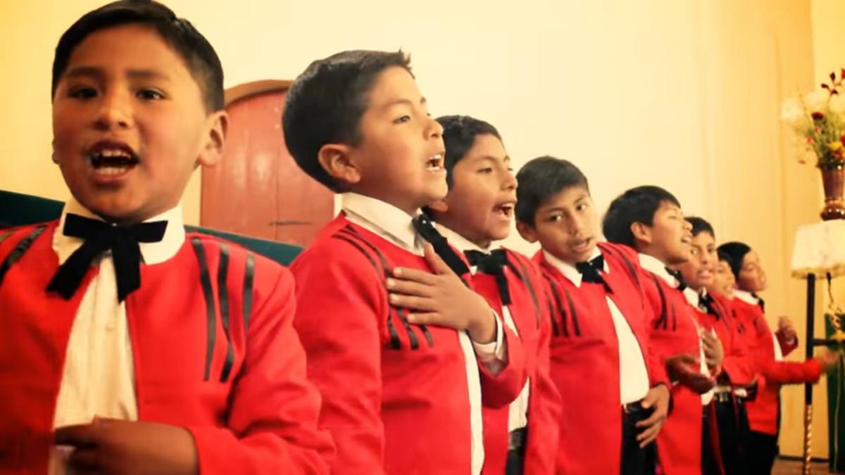 14. Rueda rueda - Coro de niños de Espinar K'ana wawakunas