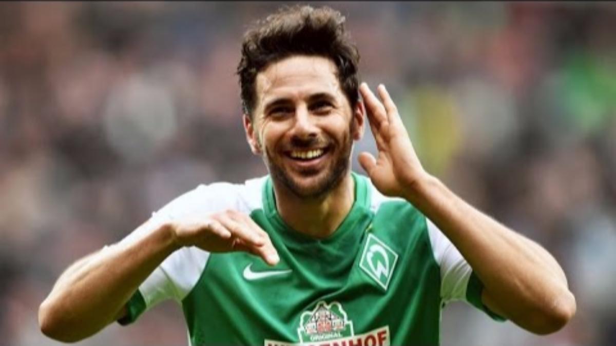 Claudio Pizarro tiene 268 goles en la Bundesliga y es el máximo artillero extranjero.