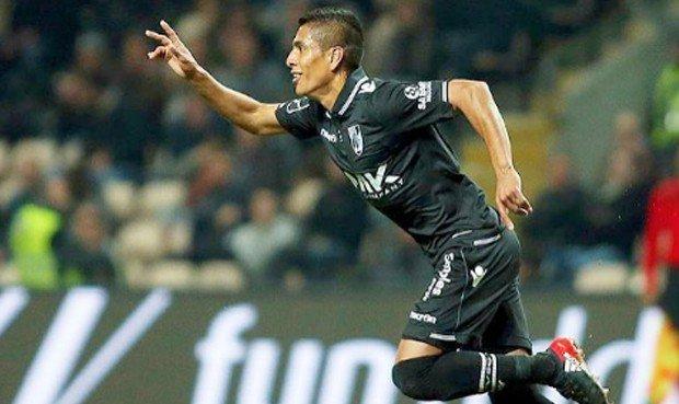 Paolo Hurtado ingresó a los 60 minutos del partido y anotó el gol del triunfo al último minuto.