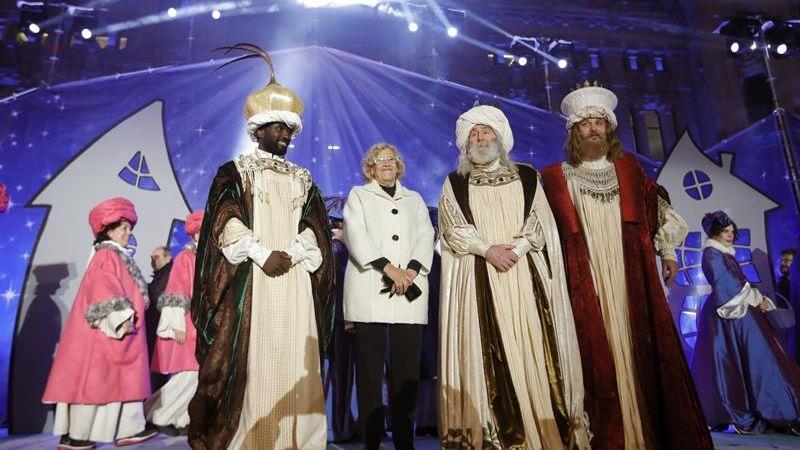 Más de 100.000 efectivos velaron por la seguridad de las tradicionales cabalgatas, que se celebraron como todos los años la víspera del Día de Reyes.
