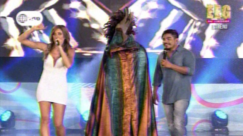 Pretemporada de Esto es Guerra es conducida por Anna Carina Copello y Erick Elera.