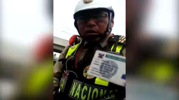 El policía intervenido ha sido identificado como Víctor Edgar Tintaya Rojas.