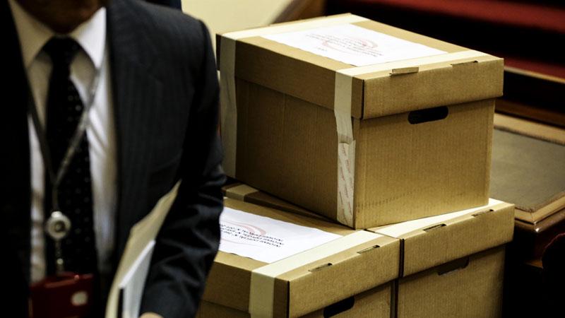 Los 22 informes estaban en siete cajas selladas.