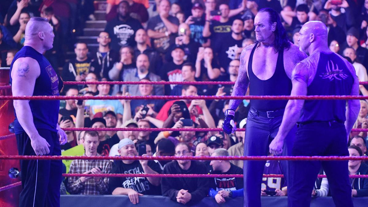 The Undertaker,  Goldberg y Brock Lesnar tuvieron un careo en el Monday Nigth Raw.