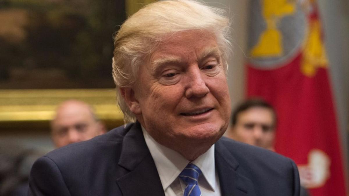 Al inicio de su gobierno, las afirmaciones no confirmadas de Trump fueron sobre un tema poco relevante como la cantidad de gente que fue a su inauguración, pero ahora se vinculan a temas más serios como un posible fraude electoral.