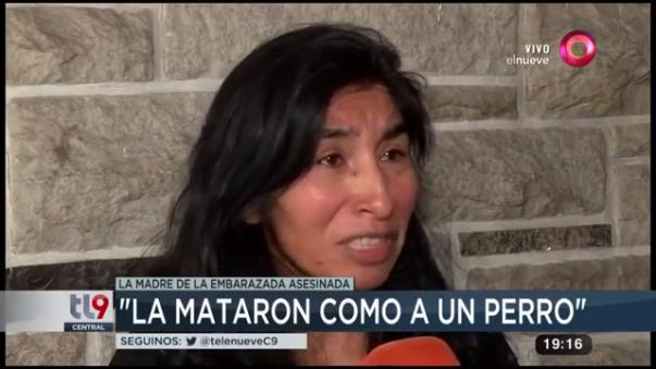 La madre de la adolescente relató el asalto y posterior asesinato a su hija.