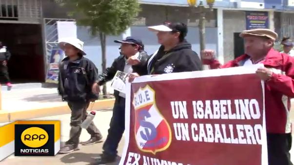 Los protestantes exigen la entrega de la obra al 100% y se niegan a recibir el proyecto en etapas.