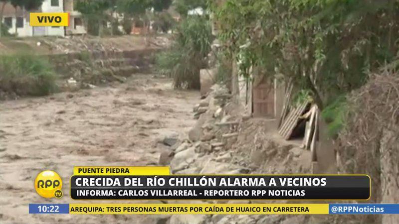 Al borde del río hay muchas casas, que serían las primeras afectadas ante un desborde.