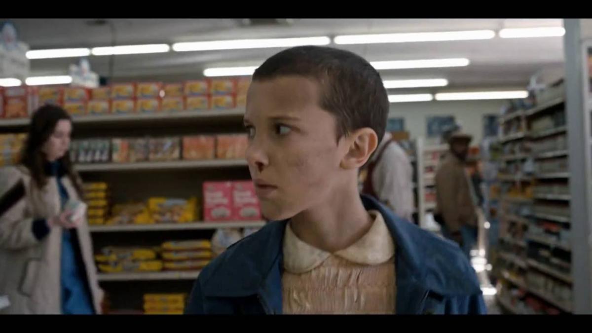 Millie Bobby Brown interpretando a 'Eleven' en Stranger Things.