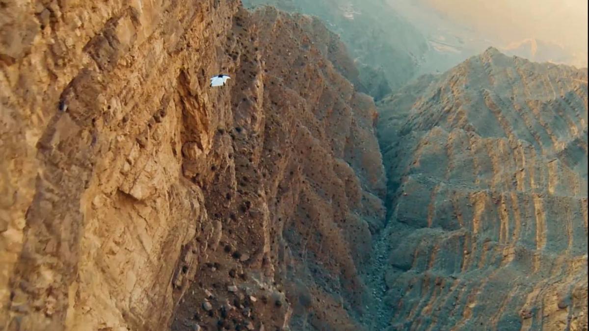 Uno de los saltos de Dickinson, que el mismo subió a su canal en Youtube.