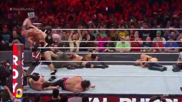 Bill Goldberg eliminó a Brock Lenar de Royal Rumble 2017 en solo 30 segundos.