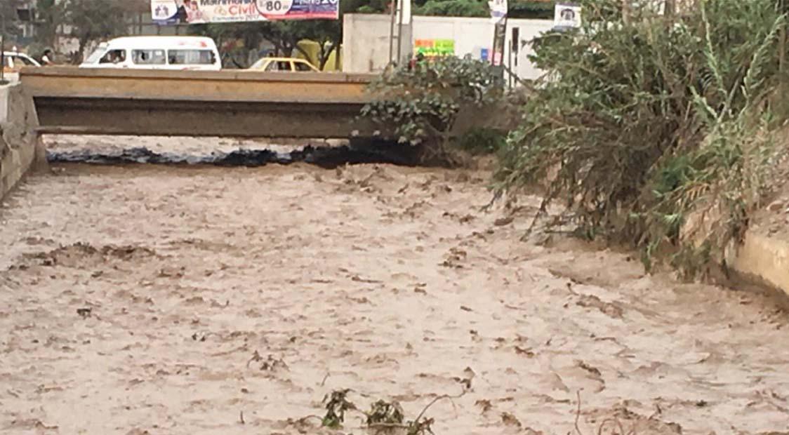 El caudal del río Huaycoloro volvió a aumentar tras la caída de un huaico.