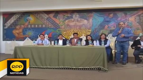 Bancada fujimorista firma acuerdo para apoyar construcción de aeropuerto de Chinchero.
