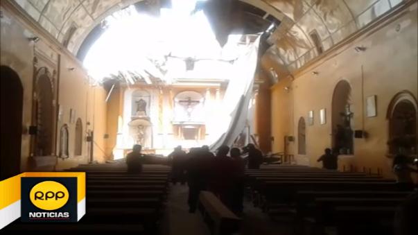 Colapsó el techo de la iglesia de Huaral.