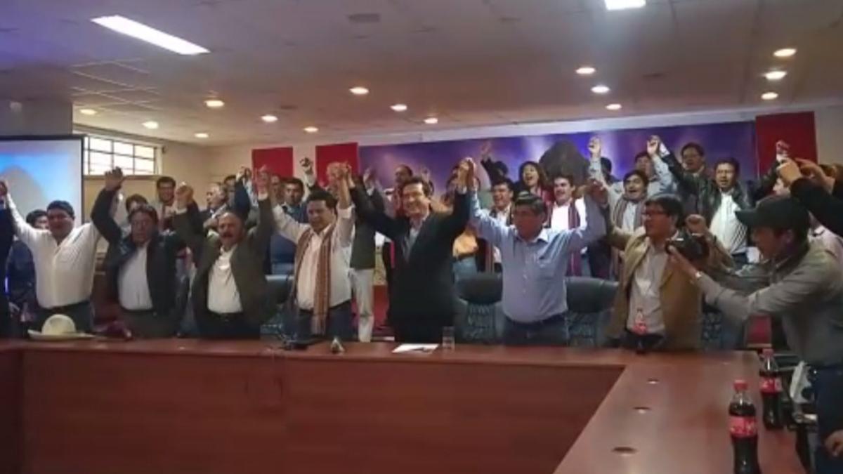 Autoridades cusqueñas acordaron levantar medida de lucha ante la llegada del presidente de la República e inicio de la construcción de aeropuerto este viernes.