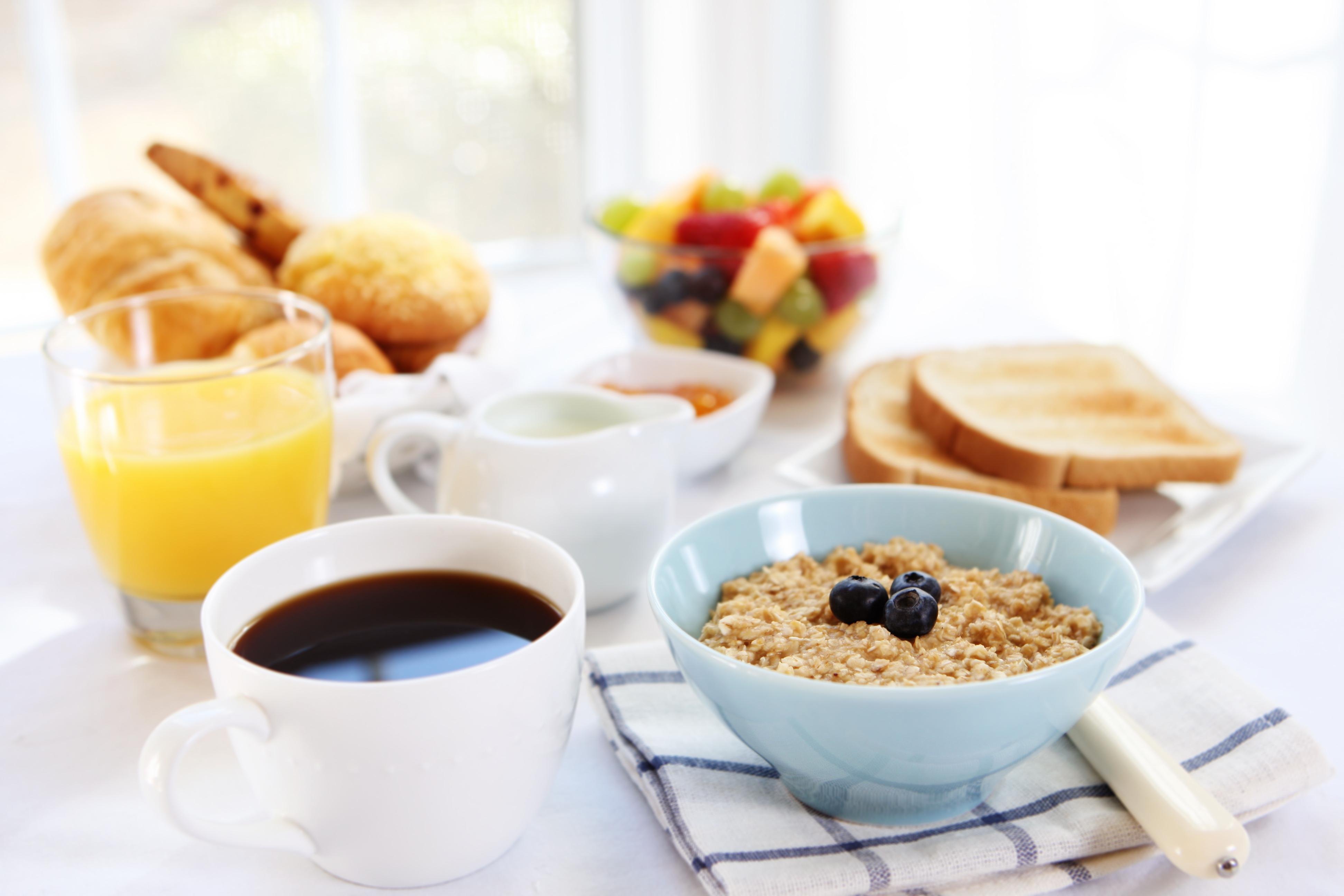 Un desayuno ideal debe tener todos los grupos de nutrientes para aportar energía.