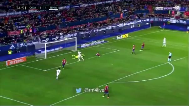 Karim Benzema recibió una asistencia de Cristiano Ronaldo que pudo ser el 2-1 del partido.