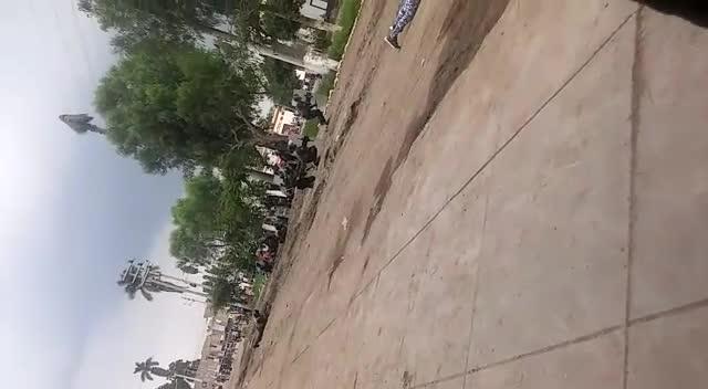La policía en plena balacera contra grupos armados en las empresas agroindustriales.