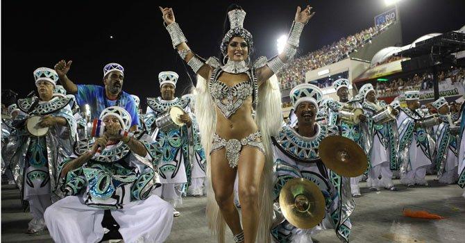 Unos 77 millones de preservativos serán distribuidos en todo Brasil durante el Carnaval como parte de una campaña de prevención para evitar el contagio de enfermedades de transmisión sexual