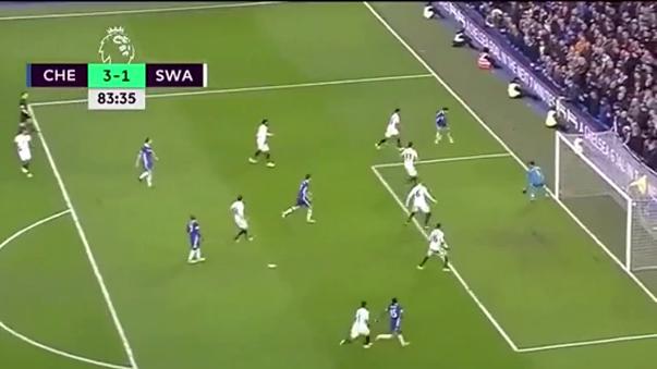 Eden Hazard apareció para habilitar a Diego Costa en el tercer gol de Chelsea.