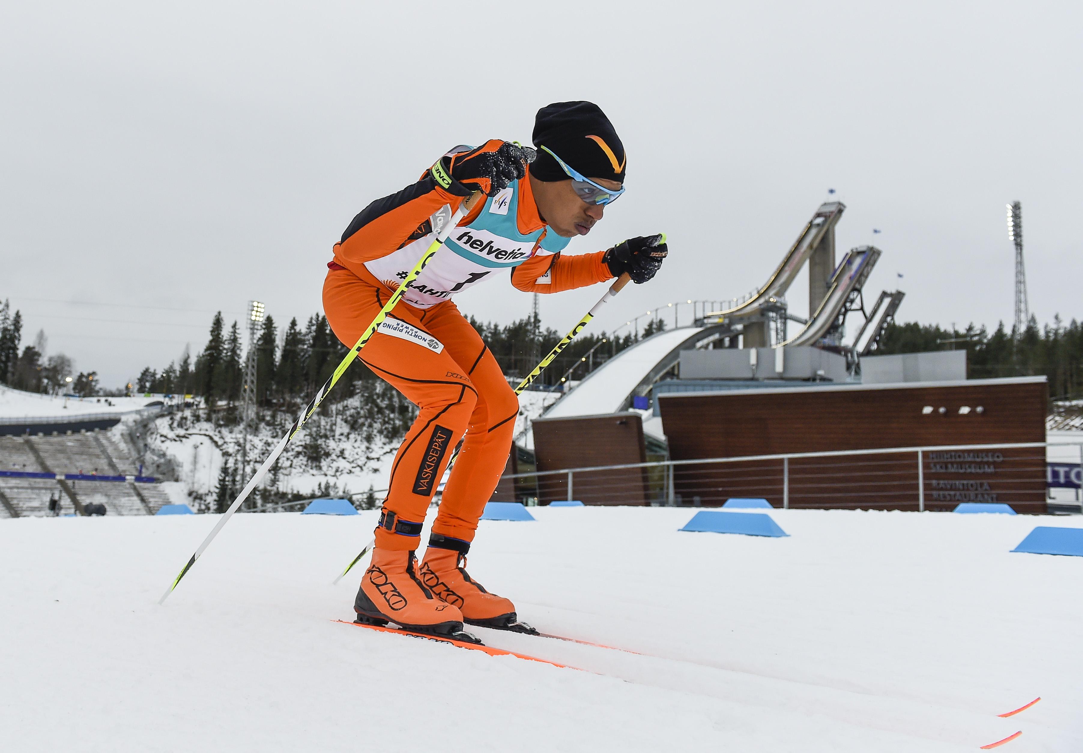 Adrián Solano enfrentándose por primera vez a la nieve.