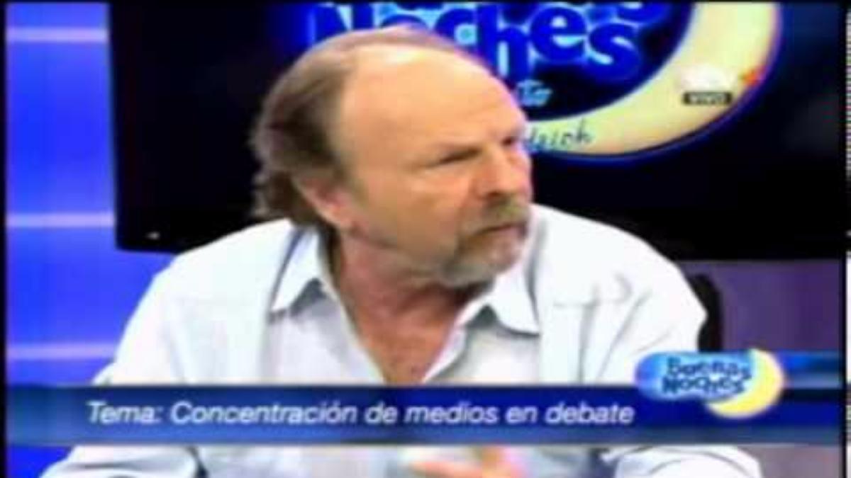 En este video Salomón Lerner Guithis habla sobre la salida de algunos periodistas de medios, entre ellos Aldo Mariátegui.